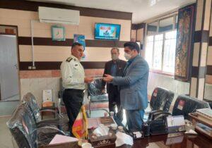 تجلیل از فرمانده نیروی انتظامی شهرستان شهریار توسط رئیس اداره بهزیستی