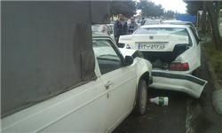 تصادف ۳ خودرو منجر به واژگونی پیکان در شهریار شد