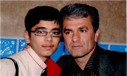 پدر و پسر 44 و 19 ساله در کنکور تجربی/برای پسرم قوت قلب هستم