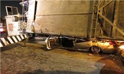 عکس / افتادن تریلر زباله روی کاروان عروسی داماد را به مرگ مغزی برد
