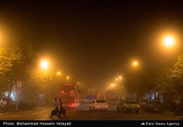 طوفان با سرعت 70 کیلومتر بر ساعت تهران را در نوردید