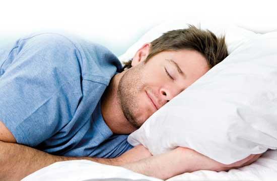 شب ها زود به تخت خواب بروید تا چاق نشوید!