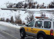 برف و کولاک در جاده چالوس/ محورهای استان البرز باز است
