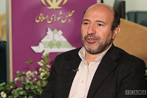 حسین گروسی: بیمارستانی که سه بار کلنگ احداث خورده است