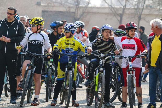 مرحله دوم مسابقات دوچرخه سواری آینده سازان استان تهران خاتمه یافت