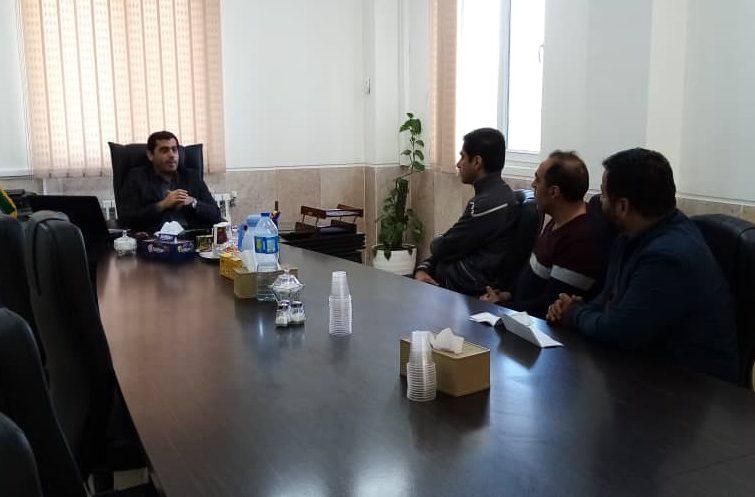 نشست و گفتگوی مدیران واحدهای تولیدی با مدیرعامل شرکت شهرک صنعتی صفادشت