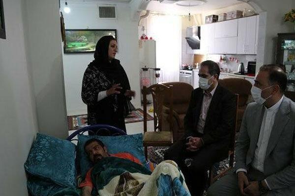 شهردار شهریار به عیادت خبرنگار مهر رفت