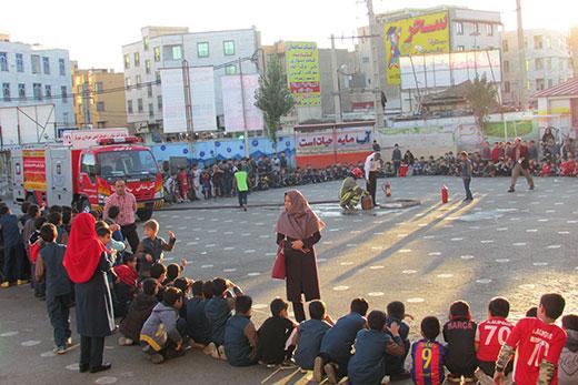 آشنایی دانش آموزان شهریاری با اصول و مبانی حریق و ایمنی در برابر زلزله
