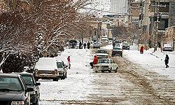 به دلیل بارش برف و یخبندان برخی مدارس تهران تعطیل شد