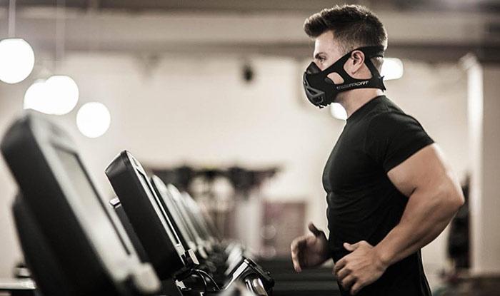 نتایج یک بررسی جدید علمی که در کانادا انجام تمرینات مختلف ورزشی با استفاده از ماسکهای طبی موجب کاهش اکسیژن خون و عضلات ورزشکاران نمیشود