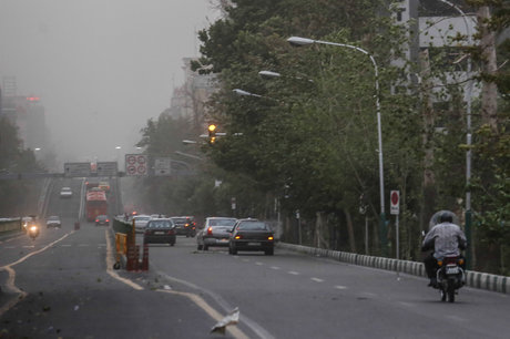 وقوع توفان و گرد و غبار در شهرستان شهریار