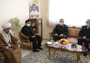 سردار حسین اشتری ؛ خانواده شهدا تمام سرمایه خود را برای امنیت تقدیم کردند