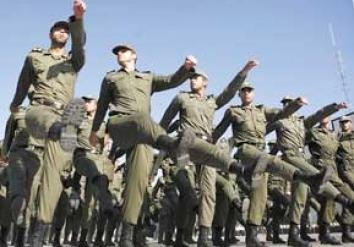 خدمت سربازی شبانه مدیران ارشد دولتی در کرمان