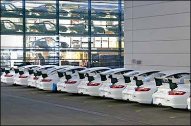 500 دستگاه خودروی پورشه از جزیره ابوموسی وارد کشور شد