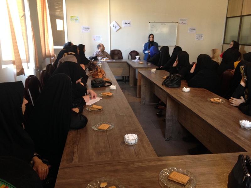 برگزاری کارگاه توانمند سازی ویژه زنان سرپرست خانوار و معلول در شهرستان ملارد