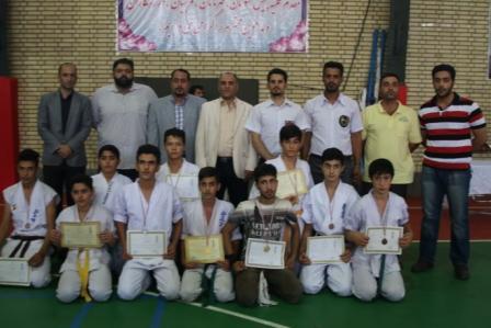 قهرمانی تیم آموزش وپرورش شهریار درمسابقات سبک های آزاد کاراته شهرستان شهریار