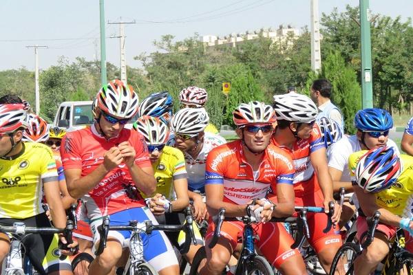 جایزه بزرگ  دوچرخه سواری اراک در دستان حسین عسکری و محمد گنج خانلو
