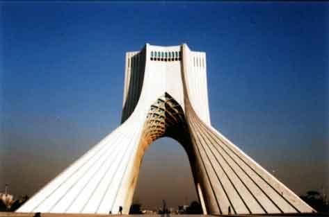 نماد قدیمی تهران در میان بیتوجهیها در حال فرو ریختن است