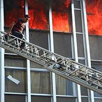 نجات یافته آتش سوزی : 3 شب است نخوابیده ام