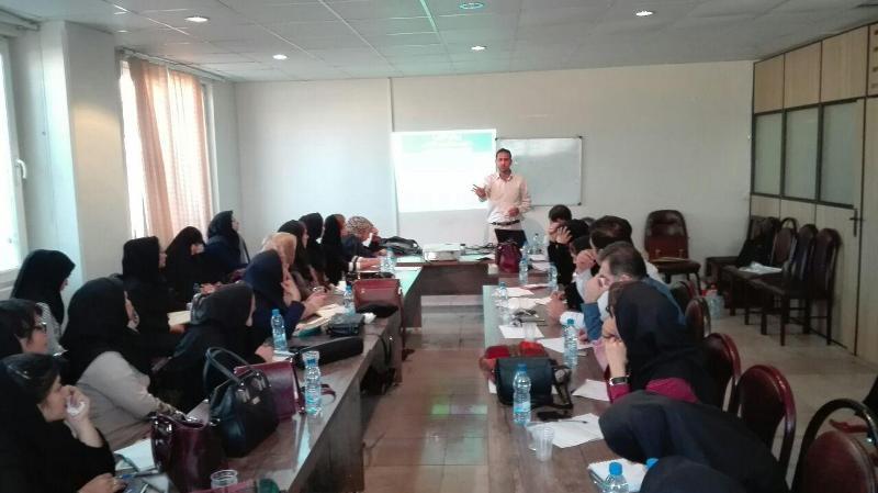 برگزاری کارگاه آموزشی آسیب های عاطفی در بین نوجوانان در شهرستان ملارد