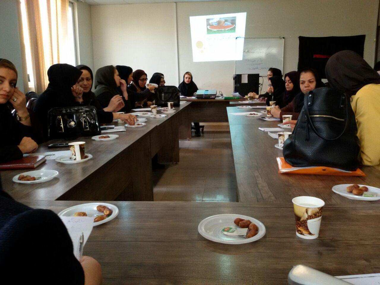 برگزاری جلسه آموزش تغذیه کودکان در شهرستان ملارد