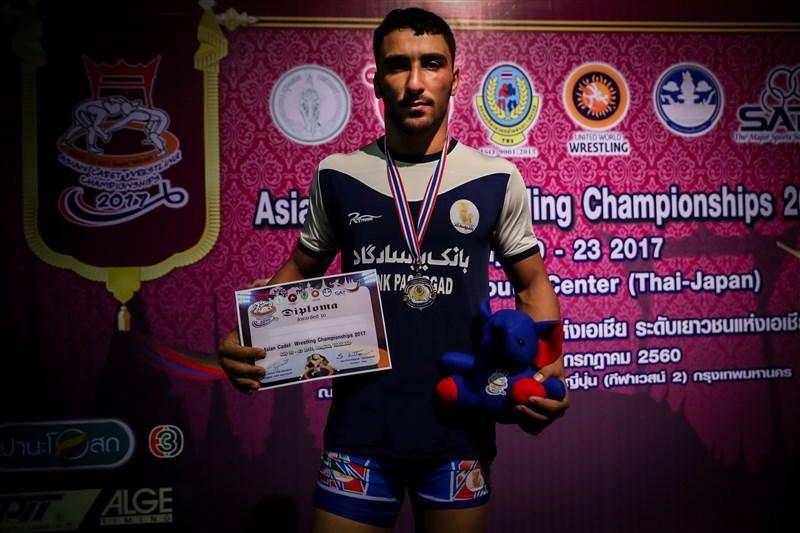 مدال نقره فرنگی کار شهریاری در رقابت های کشتی نوجوانان قهرمانی آسیا